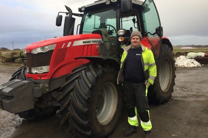 KHN Audun Stalesen med traktor